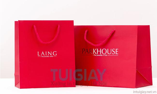Phân biệt in túi giấy cho shop thời trang chất lượng