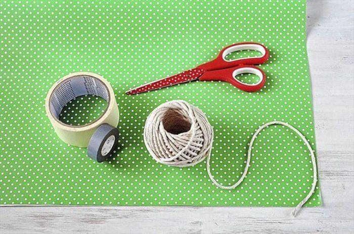 Để tiến hành cách làm túi giấy tại nhà cần chuẩn bị nguyên liệu