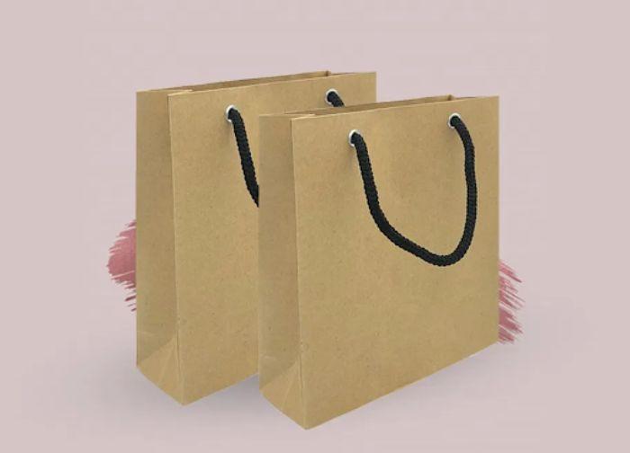 Màu nâu bò / vàng nhạt của túi giấy kraft