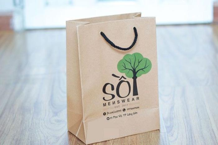 Do thiết kế của túi giấy kraft có thiết kế đơn giản, tông màu mộc mạc nên chúng được ứng dụng phổ biến