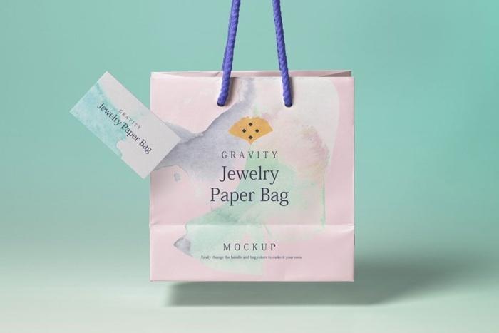 Mẫu túi giấy thời trang có màu sắc khá nổi bật và ấn tượng khi sử dụng