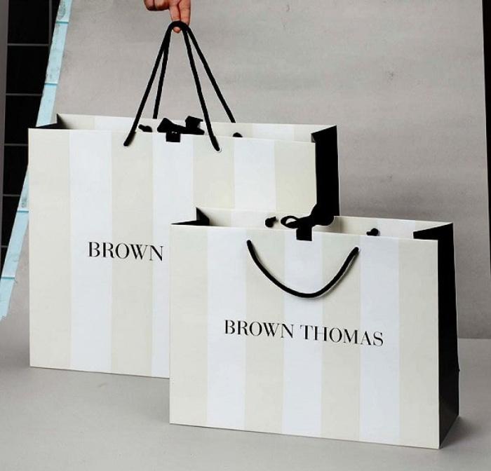 Giá thành của những chiếc túi đựng quà Couche cũng rất phù hợp, không quá đắt